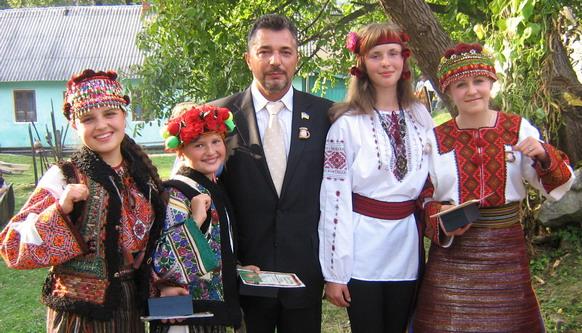 Почесний меценат «Захарецького Гарчика» з учасниками фестини