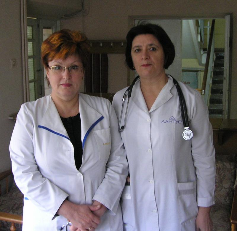Наталія Шевчук і Тамара Крецу (справа наліво) все зробили для того, щоби ендокринологічно хворі дітки отримували добре лікування
