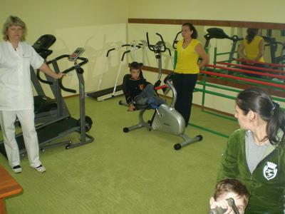 У тренажерних залах полюбляють «бавитися» і дорослі, і малі