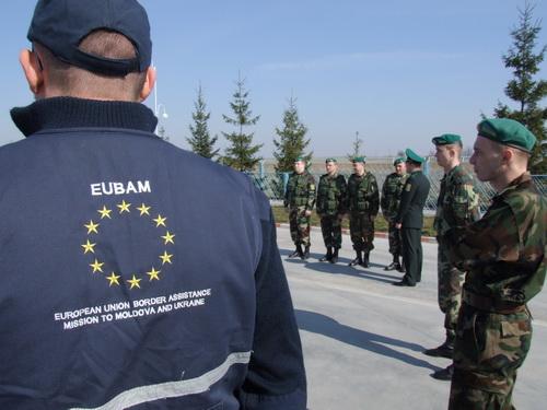 Прикордонники Чернівецького прикордонного загону спільно патрулюють українсько-молдавський кордон з представниками ЄС.