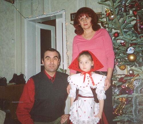 Із чоловіком і старшою онучкою Валерією