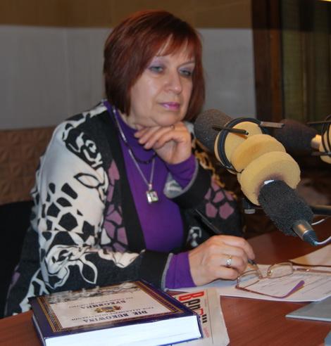 Тетяна Смолдирєва у радіостудії