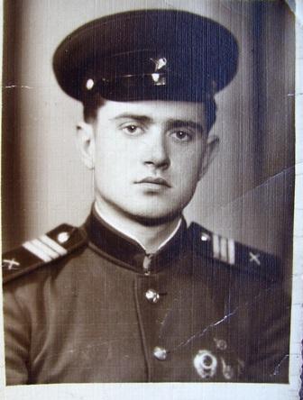 Владислав Тимофійович  Пташніков. фото березня 1958 року.