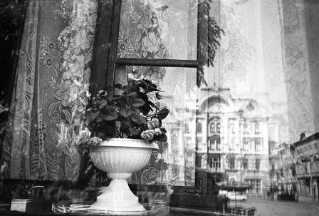 17-Czernowitz-Window-©Sylvia-de-Swaan_m