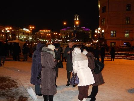 Від 17.00 вже два місяці моляться за людей, що стоять на Євромайданах України...