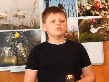 Гиршвельд Ростислав, учень 7 класу Вашківецької гімназії виконав пісню пам'яті Небесній сотні
