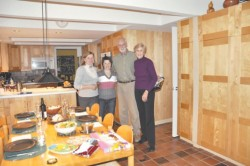 Учасники програми мешкали в американських сім'ях, де їх приймали тепло й щиро…