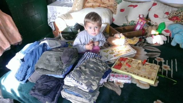 Danke meiner Institutskollegin Jenny, die Kleider von ihrem Sohn gespendet hat!