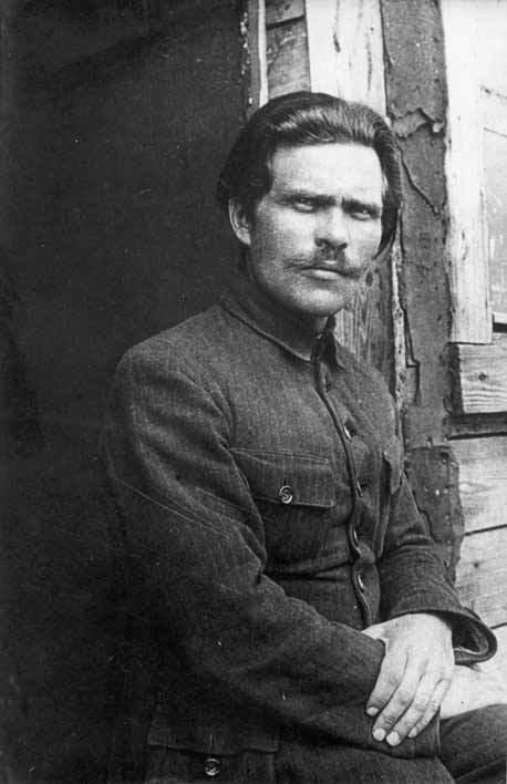 Нестор Махно, січень 1921 рік. Табір в Румунії (фото з Вікіпедія, завантажив Butko)
