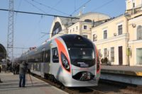 Укрзалізниця знову планує нові потяги. І знову повз Чернівці…