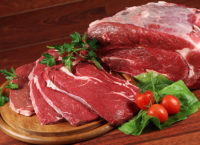 Українці щороку їдять все менше м'яса