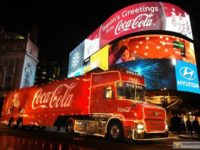 """Британські ліберали пропонують заборонити новорічну вантажівку """"Кока-коли"""""""