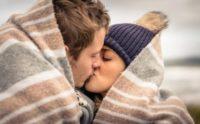 Найбільш активний спосіб передачі вірусу грипу – зовсім не поцілунок