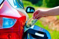Уперше від нового року почав дешевшати бензин