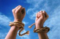 Чверть українців готова пожертвувати правами заради власного добробуту – дослідження