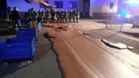 У Німеччині через аварію на фабриці на тротуар витекло близько тонни шоколаду