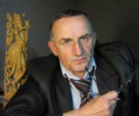 «На перелазі» злетіти просто в небо:  Анатолій Томків презентував свою третю книгу
