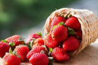 Кому не можна їсти полуницю