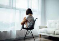 Що відбувається в організмі, коли відчуваємо самотність