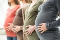 670 вагітних без лікарського нагляду?