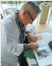 У Садгорі презентували каталог творчості скульптора Володимира Гамаля