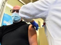 Скандал з «підпільною вакцинацією» або Брехня, брехня, довкола сама брехня