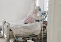Майже 90% хворих на COVID-19 в Україні, підключених до ШВЛ, померли — дослідження НАН України