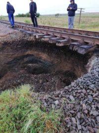 Зсув ґрунту на станції Мамалига, що на Буковині: Укрзалізниця про пасажирів подбала