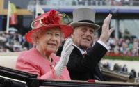 Королева Єлизавета ІІ і принц Філіп відзначають платинове весілля