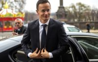 Не тільки в Україні: Очільник МЗС Угорщини Петер Сіярто назвав очільника дипломатичного відомства Люксембургу Жана Ассельборна ідіотом