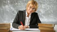 Гриневич заявила, що українські вчителі одержують 6–8 тис. грн зарплати