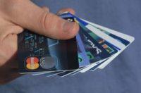 Усі власники банківських карток раз на три роки зобов'язані пройти верифікацію