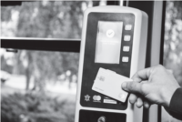 Mastercard і Ощадбанк: безготівкова оплата у транспорті Чернівців
