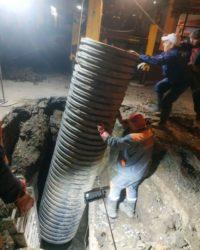 За минулу ніч фахівці Чернівціводоканалу збудували каналізаційний колодязь у центрі міста